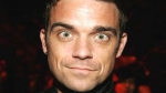Robbie Williams se burló de Mick Jagger y Gallagher - Noticias de gary barlow